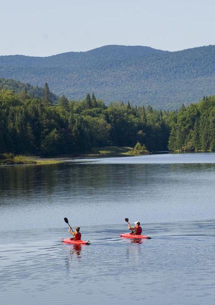 Canot, kayak et planche à rame